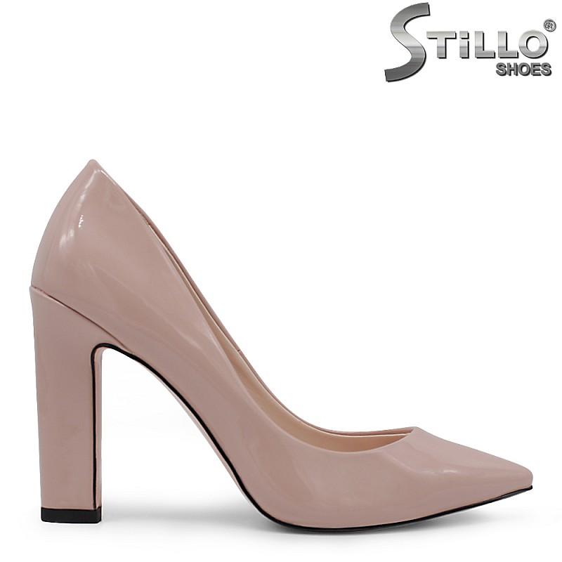 Елегантни лачени обувки с висок ток - 35412