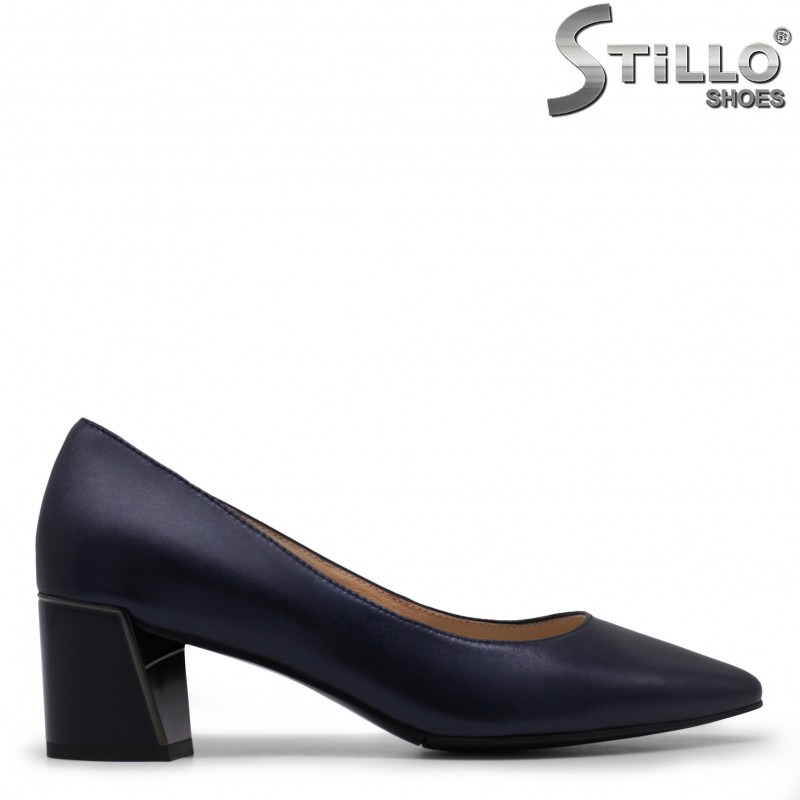 Сини дамски обувки на широк ток – 35472