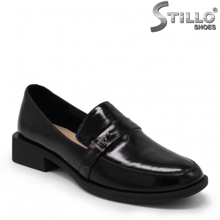 Затворени дамски обувки – 35475