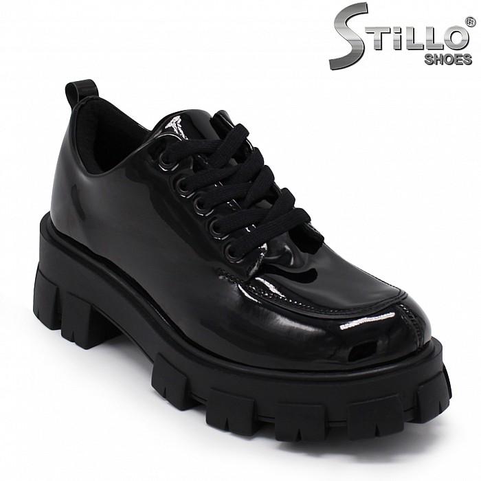 Есенни лaчени обувки с груба подметка – 35494