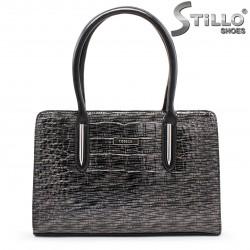 Чанта в черно-сив кроко лак - 35535