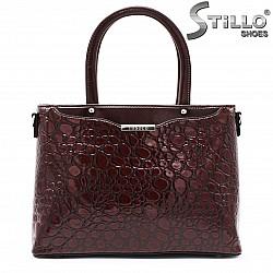 Бордо чанта в кроко лак - 35538