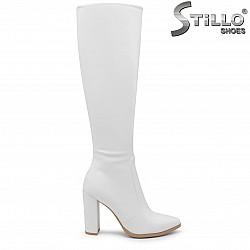 Бели дамски ботуши на висок ток – 35699