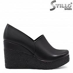 Дамски обувки на платформа от стреч кожа – 35825