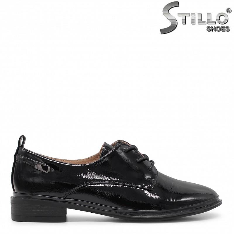 Пролетни лачени обувки с връзки – 35921