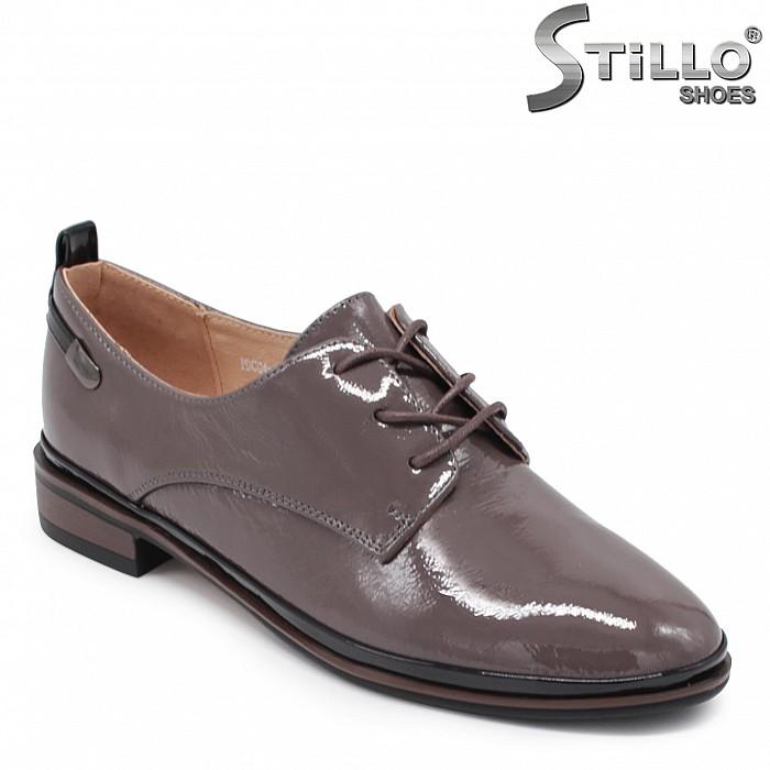 Дамски обувки от естествен лак в капучино – 35922