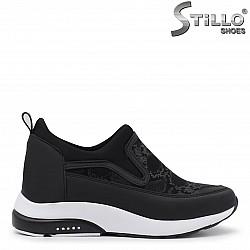 Спортни обувки със змийски принт – 35983