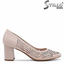 Дамски обувки с перфорация цвят пудра– 36014