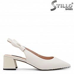 Елегантни дамски обувки с отворена пета от естествена кожа – 36023