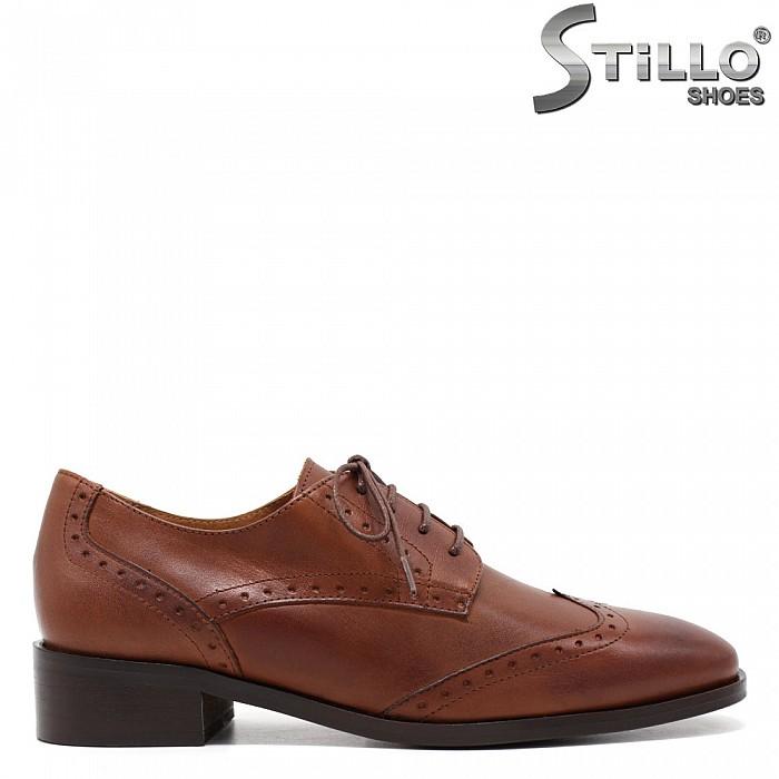 Кафяви кожени обувки с швейцарска перфорация - 31301
