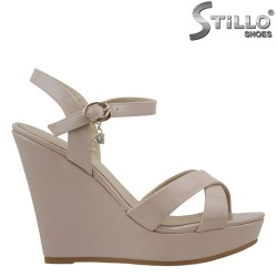 Дамски сандали с висока платформа - 27011