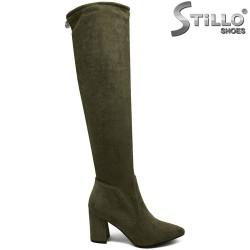 Дамски чизми от зелен велур на широк ток - 30022