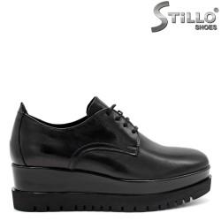 Обувки от естествена кожа с връзки - 31161