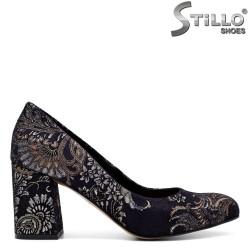 Сини велурени обувки на цветя на среден ток- 31218