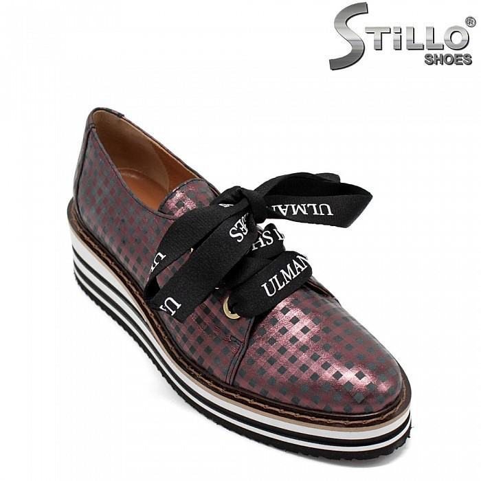 Бордо обувки с връзки  от естествена кожана равно ходило - 31236