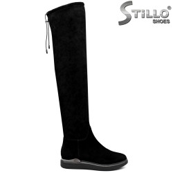 Дамски велурени чизми на равно ходило -33880