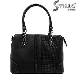Дамска чанта с метални синджири - 31471