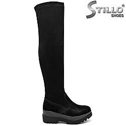 Дамски велурени чизми на дебела подметка с грайфер - 31474