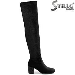Дамски чизми от еластичен черен плюш - 31770