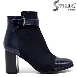 Дамски боти от тъмно син еко велур и лак - 31805