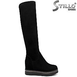 Дамски велурени чизми на платформа - 31837