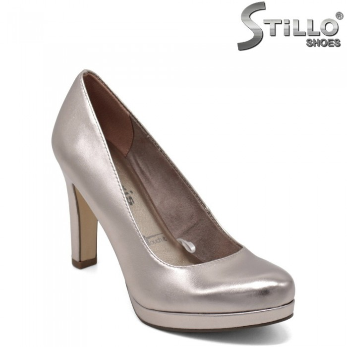 Златно-розови обувки Tamaris на платформа  - 31941