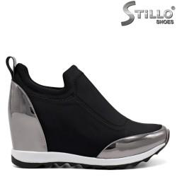 Дамски обувки с назъбено ходило и платформа - 32045