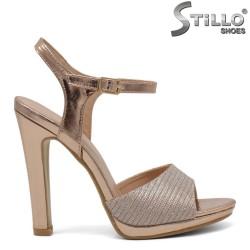 Елегантни розови абитуриентски сандали - 32108