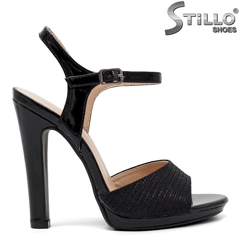 Елегантни сандали на висок ток с брокат - 32110