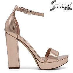 Розови сандали  на  платформа с  висок ток - 32135