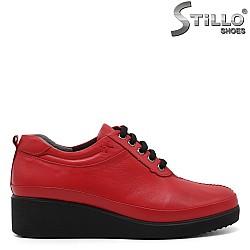 Червени дамски обувки на ниска платформа - 32233