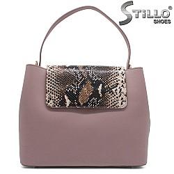 Розова чанта със змийски капак - 32223