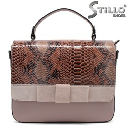 Дамска чанта с велурена панделка - 32230