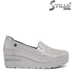 Сребърни анатомични обувки на платформа  - 32373