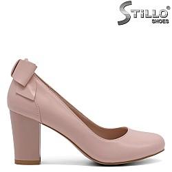 Дамски розови обувки с панделка - 32411