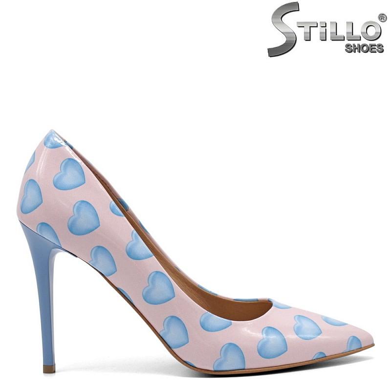 Елегантни лачени обувки в розово и синьо - 32439