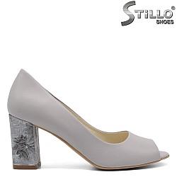 Дамски обувки с висок ток на цветя - 32453