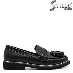 Дамски обувки на нисък ток - 32487