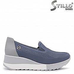Спортни-елегантни обувки на платформа- 36330