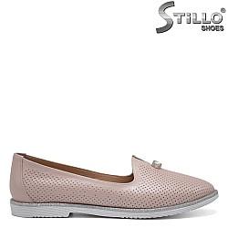 Розови обувки от естествена кожа с перфорация - 32541