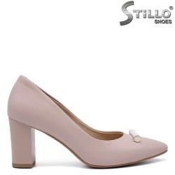 Розови обувки на среден ток - 32572