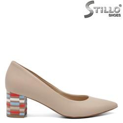 Модни обувки с цветен ток - 32576