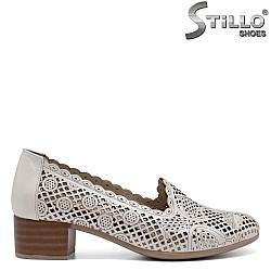 Перфорирани обувки на ток - 32600