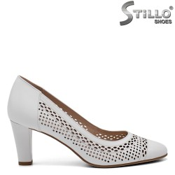 Дамски бели обувки МАЛКИ НОМЕРА- 32621