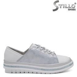 Спортни обувки с връзки - 32627