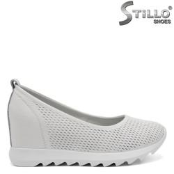 Ежедневни бели обувки на платформа - 32628