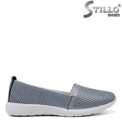Дамски обувки на леко ходило - 32637