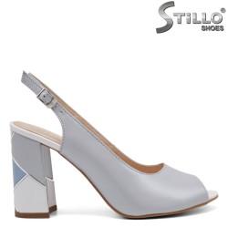 Елегантни сандали на ток с кант - 32675