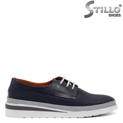 Спортни дамски обувки с връзки - 32697