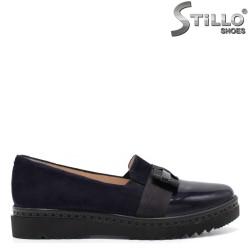 Велурени сини обувки с панделка - 32698